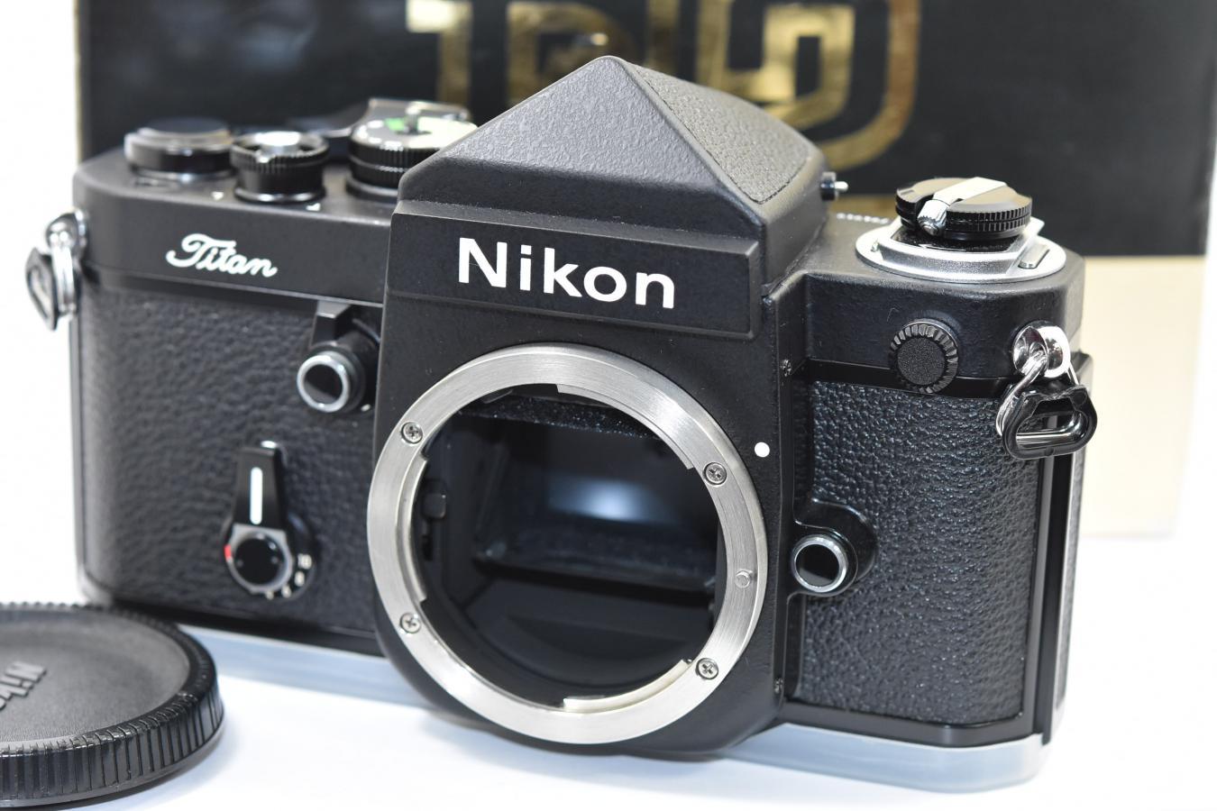 【コレクション向け】 Nikon F2チタン ネーム入り 【元箱付一式 フィルム1本も通していない】