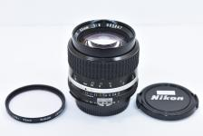 Ai-S NIKKOR 85mm F2 【純正52mmL1Bcフィルター付】