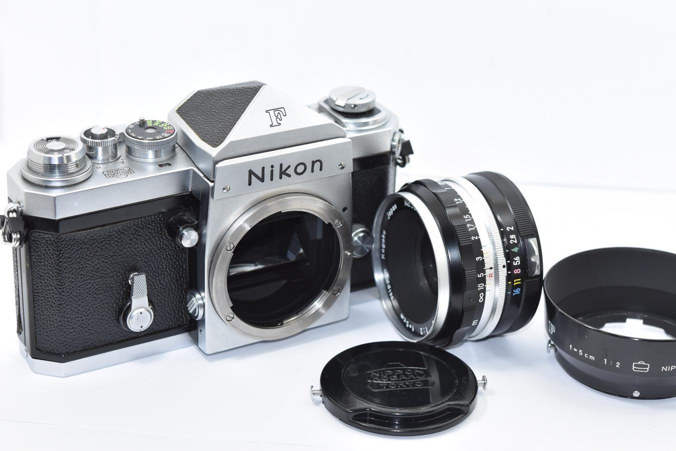 【コレクション向け 希 少】 Nikon F アイレベル640 NIKKOR-S Auto 5cm F2付 【チックマーク/R刻印入/PAT.PEND最初期 日本光学マーク入りフード、キャップ付】